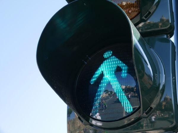 traffic-light-pedestrian-walking